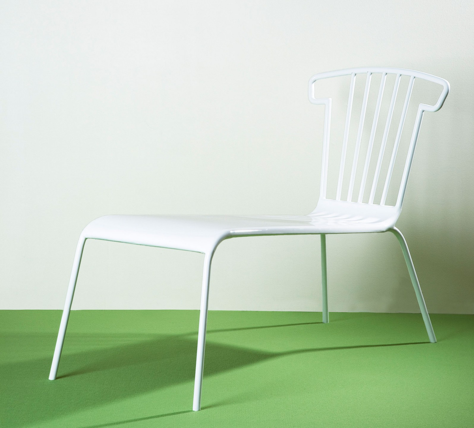Chair-bench-1