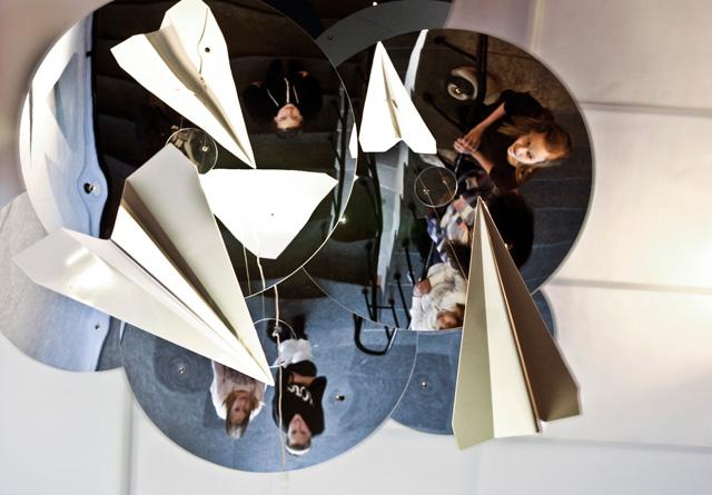 Mirroring-aeroplanes-Thumb